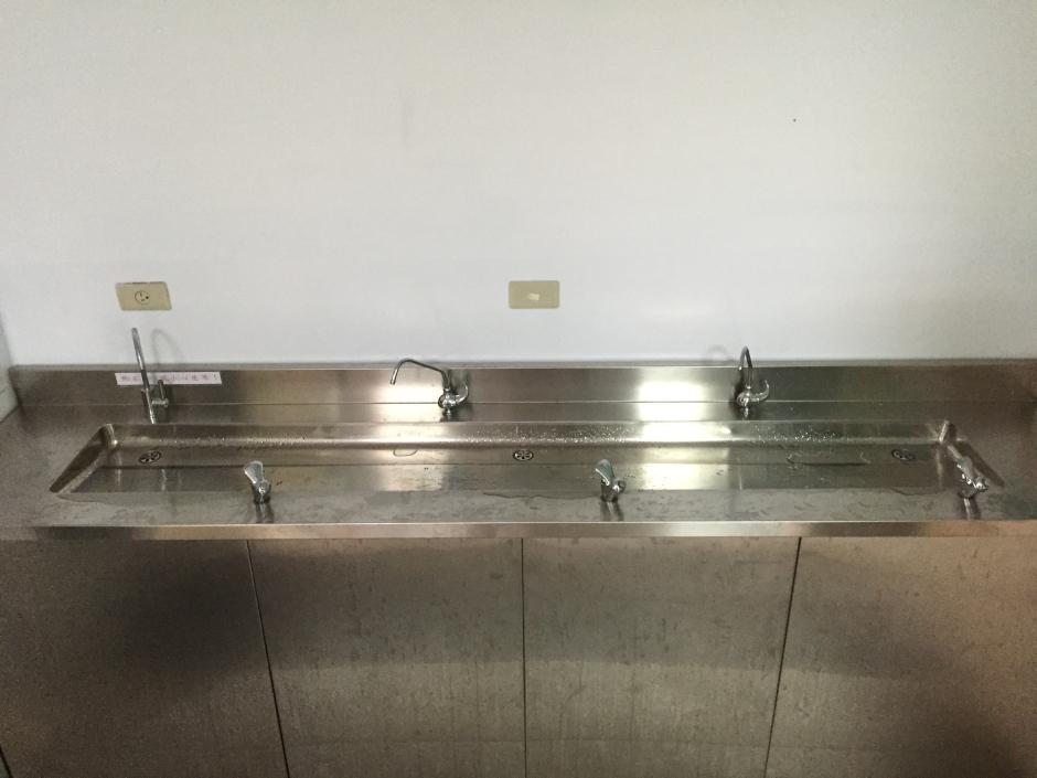 大山淨水葳格高中附設小學迦拿生飲系統